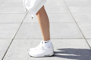 socks-sneakers-white-fashion-editorial-oracle-fox-3